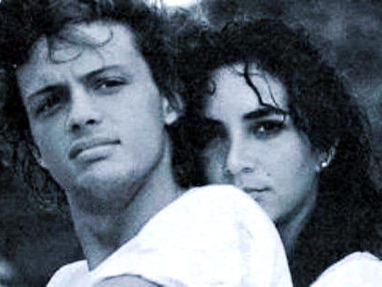 """Foto de Luis Miguel en su video """"Cuando Calienta El Sol""""."""