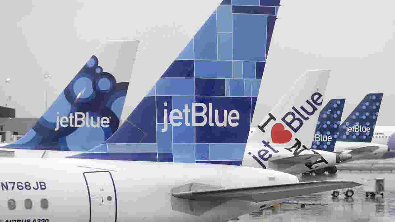 JetBlue Boots Las Vegas Bound New Jersey Family Jet After Brouhaha Over Birthday Cake