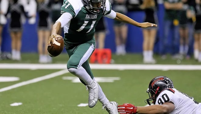 Four-star quarterback Kellen Mond renounced his commitment to Baylor on Twitter Wednesday. On that same night, he named Auburn as a favorite to a San Antonio TV station.
