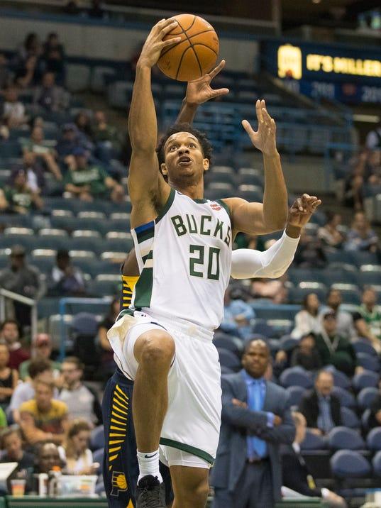 NBA: Preseason-Indiana Pacers at Milwaukee Bucks