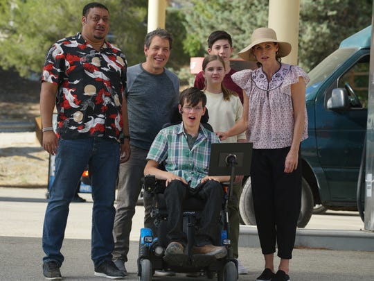 Cedric Yarbrough, John Ross Bowie, Micah Fowler, Kyla Kenedy, Mason Cooke and Minnie Driver on 'Speechless.'
