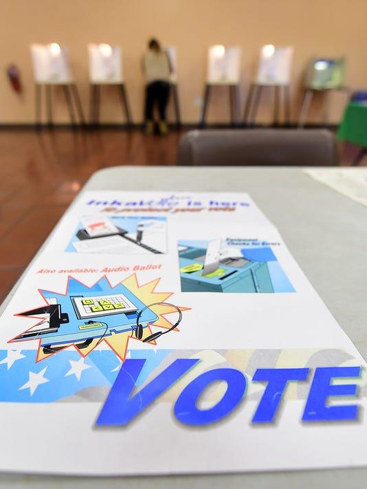 US-ELECTIONS-CALIFORNIA-VOTE