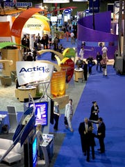 Attendees tour the exhibit hall at the 2006 meeting