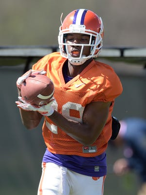 Clemson defensive back Marcus Edmond (29) makes a catch during spring practice.