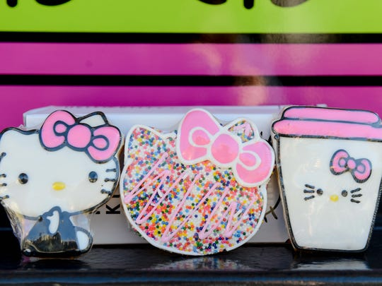 Squee! Who can resist the sweetness of Hello Kitty cookies?