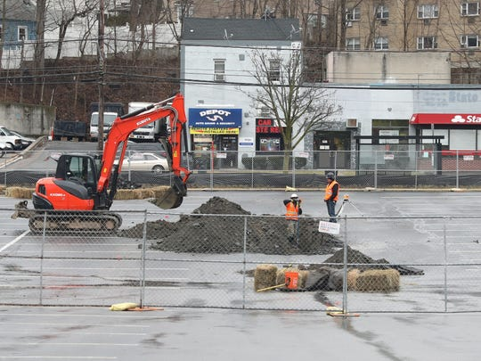 Work begins at the site of a new Shake Shack set to be constructed at the Dalewood Shopping Center in Greenburgh, as seen Feb. 23, 2018.