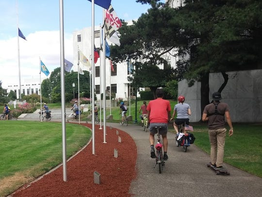 Bike activists ride from Portland to Salem on Saturday,