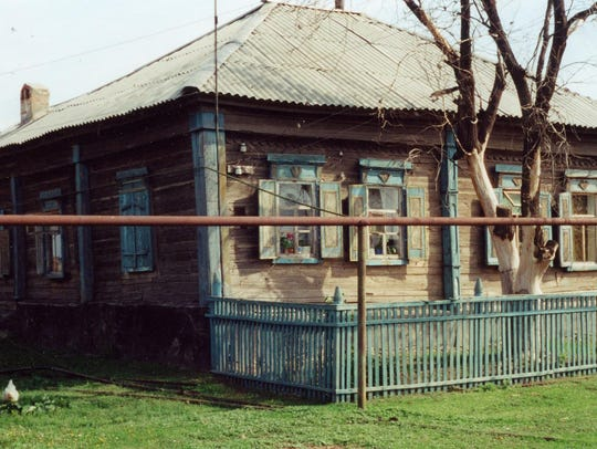 A traditional German Russian home in Niedermanjou,
