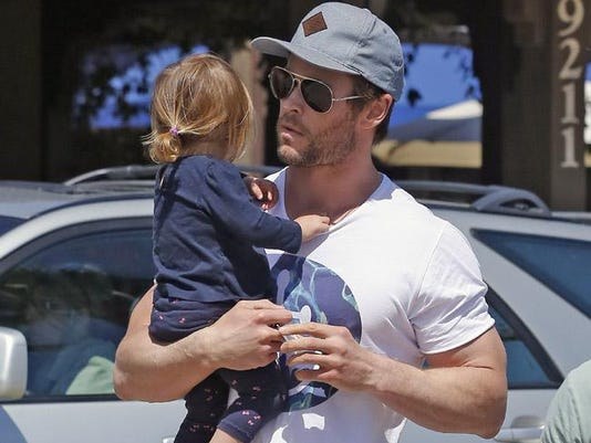 Chris Hemsworth with daughter India