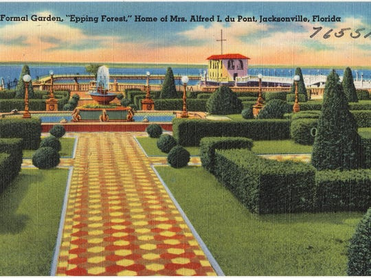 In this postcard in the collection of the Boston Public Library, the duPont Epping Forest estate is shown. The property is in Jacksonville, Florida.