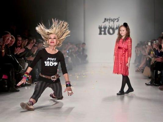 -NY Fashion Week Betsey Johnson.JPEG-0b4d8.jpg_20140213.jpg