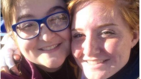 Emma Lindsey, 19, and Meredith Lindsey, 16, are the