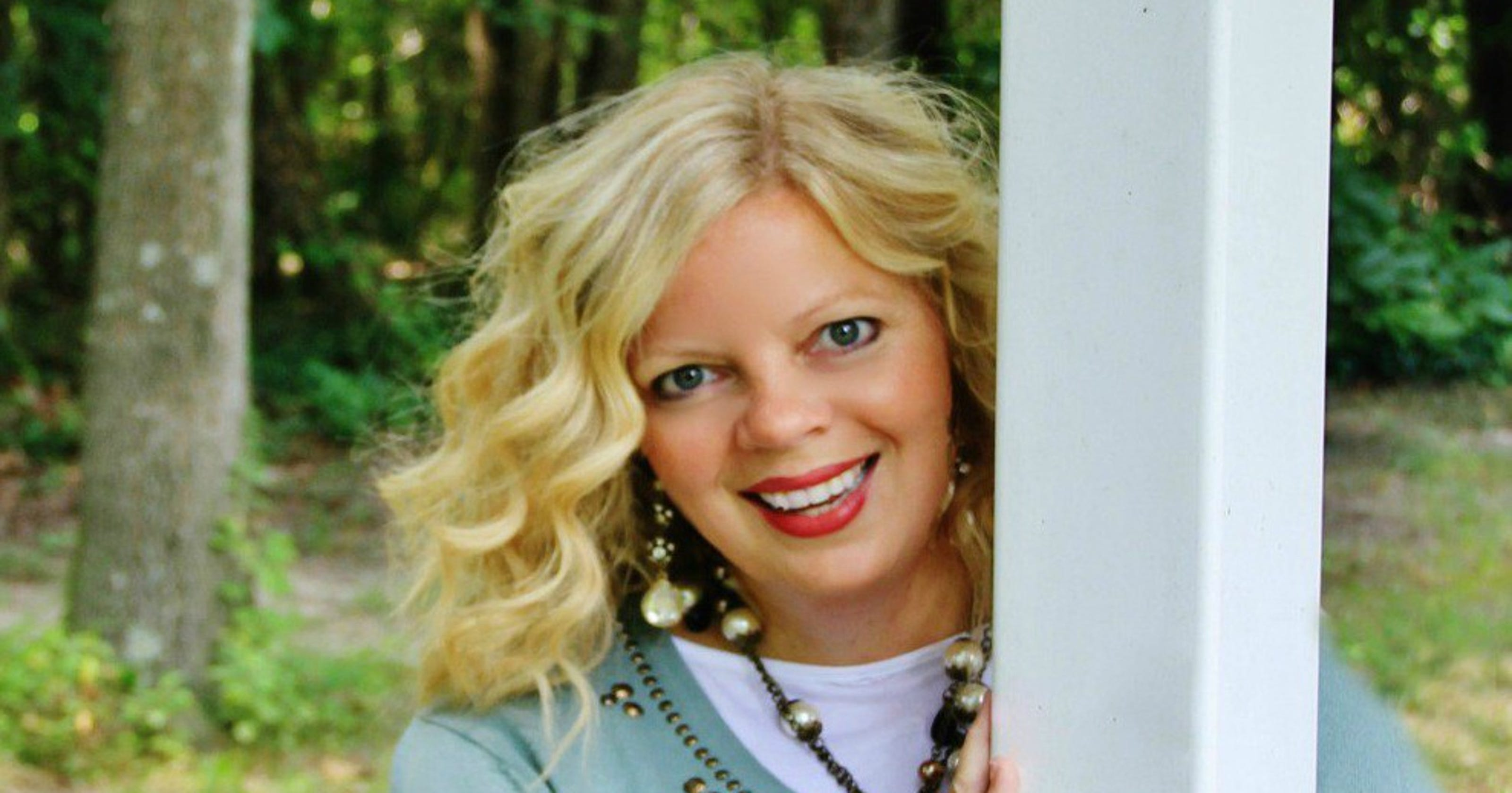 Home Decor Blogger KariAnne Wood Celebrates Imperfection With New Book