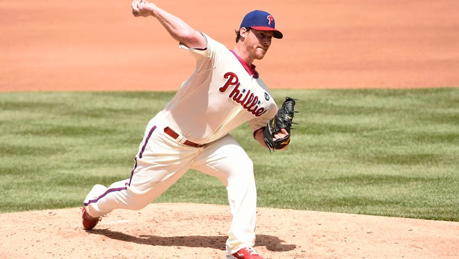 Phillies starting pitcher Chad Billingsley (38) throws a pitch during third inning against the New York Mets at Citizens Bank Park.