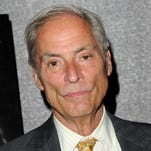 """NEW YORK - JUNE 21:  CBS News correspondent Bob Simon attends the premiere of """"South Of The Border"""" at Cinema 2 on June 21, 2010 in New York City.  (Photo by Stephen Lovekin/Getty Images)"""
