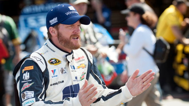 Dale Earnhardt Jr. agreed with NASCAR that the Confederate flag should be removed from the grounds of the South Carolina state capitol.