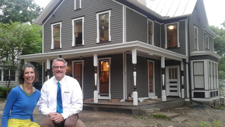 Iowa City couple give historic Summit Street home a beautiful restoration