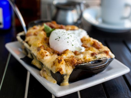 At Hillside Farmacy in Austin, you can top your mac