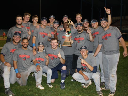 The St. Cloud Rox celebrating after winning the 2017