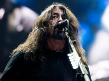 Foo Fighters make up for lost time at sold-out show in Sioux Falls