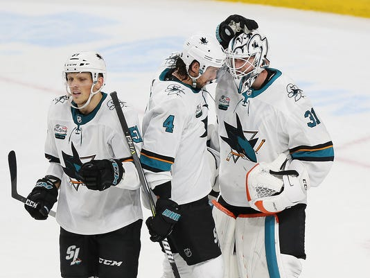 Sharks_Wild_Hockey_25768.jpg