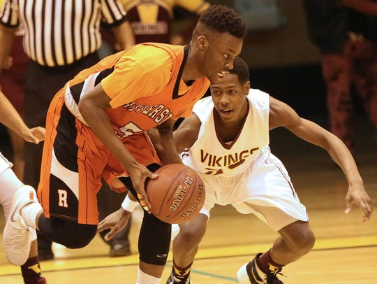 Riverside's Carlos Curtis averaged 22 points and 10