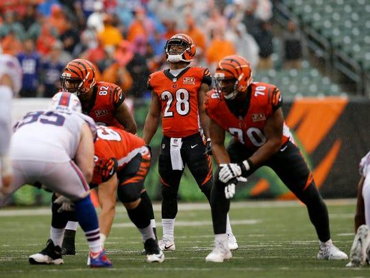 Cincinnati Bengals running back Joe Mixon (28) gets