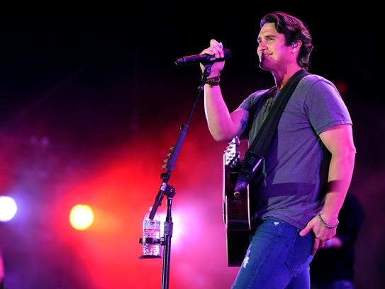 Country singer Joe Nichols will help close out 2017