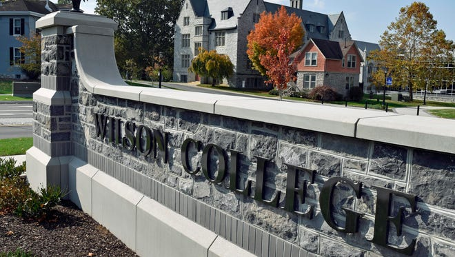 Wilson College is celebrating the completion of its streetscape project and redesigned Park Avenue entrance .