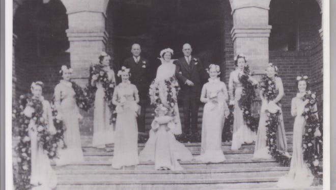 Camellia Pageant royalty pose with Queen Stephanie Durand, 1936.