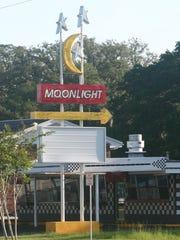 Moonlight Drive-In restaurant