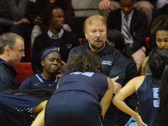 Veteran coach Steve McDowell will take a small roster to Alexandria's Rapides Coliseum for the state tournament.