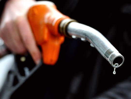 Gas prices are continuing to fall in the Indianapolis