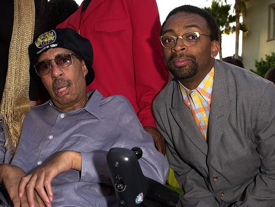 US director Spike Lee (R) poses with Richard Pryor