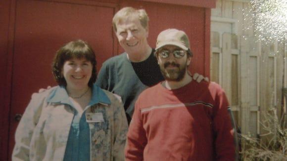 Len Lustik, center, with children Michelle Carson and Glenn Lustik.