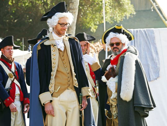 Stephen-Merchant-as-George-Washington-and-David-Cross-as-Von-Steuben