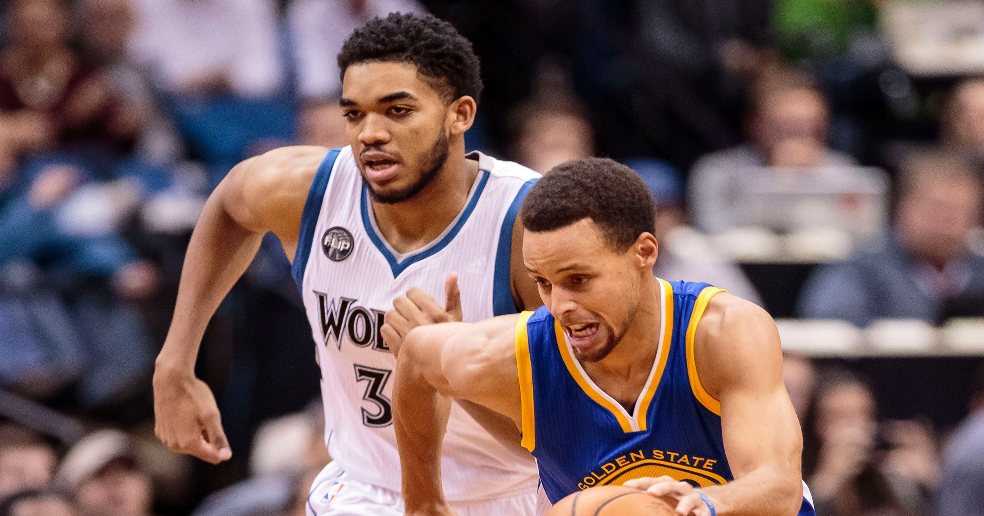 6b0f34f2737 Stephen Curry s 46 lift Warriors to 10-0 start with win over Timberwolves