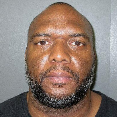 Shreveport man accused of pretending to be home contractor