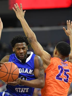 """Evansville senior Duane """"Boo"""" Gibson (25) returned to action Saturday at Drake after missing the previous three games with recurring knee issues."""