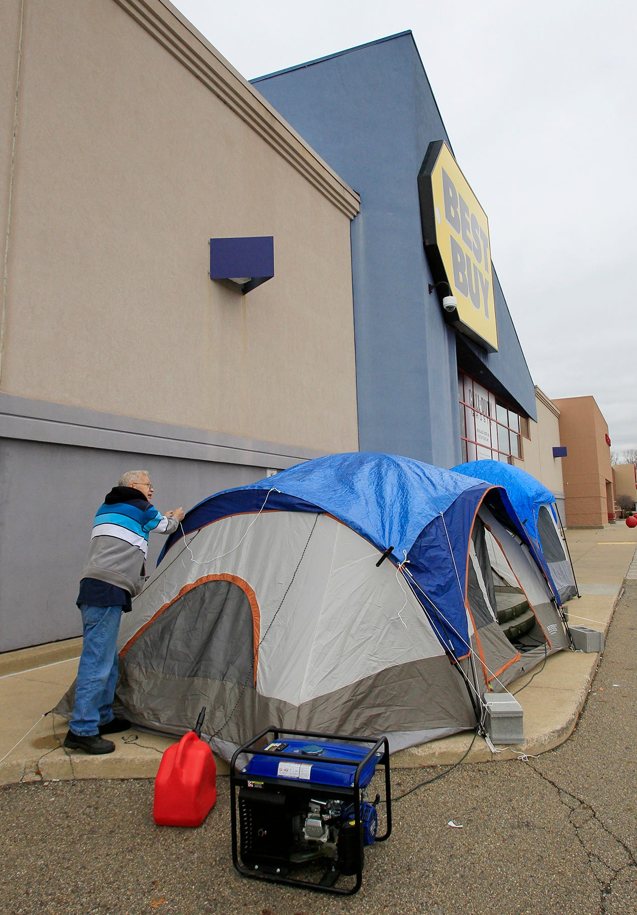 & Shoppers already lining up for Black Friday deals