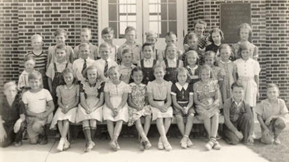 This is the fourth-grade class at Roundtown Consolidated School in 1942.