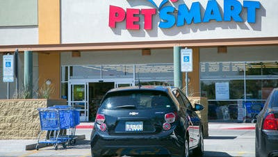 PetSmart said it will end its ties to a rodent dealer cited for multiple infractions by the U.S. Department of Agriculture during an inspection earlier this year.