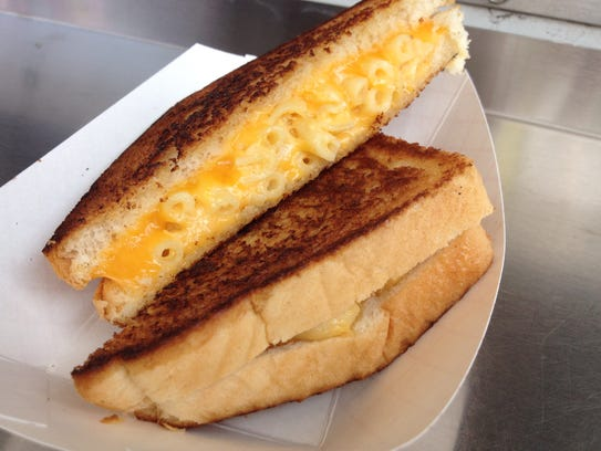 Mac & Cheese Grilled Cheese