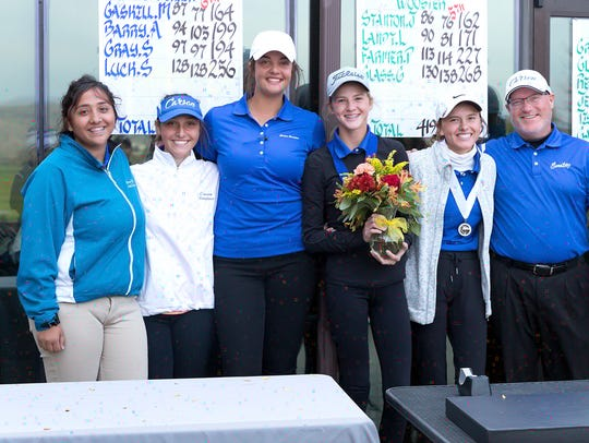 The Carson girls golf team took second place in the