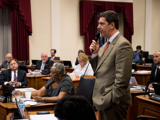 Councilman Bob Mendes speaks during a metro council meeting at City Hall in Nashville, Tenn., Tuesday, June 20, 2017.