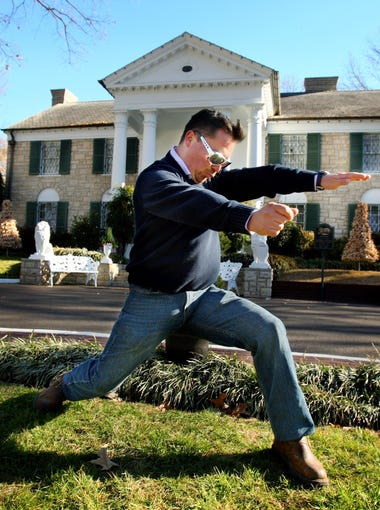 January 07, 2011 - Chilean Miner, Edison Pena is famously a fan of Elvis Presley. Pena performs his best Elvis move while on his pilgrimage to Graceland.