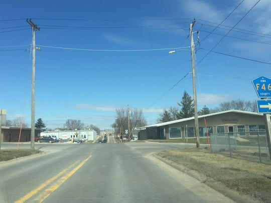 Iowa Highway 149 through Williamsburg near State Street,