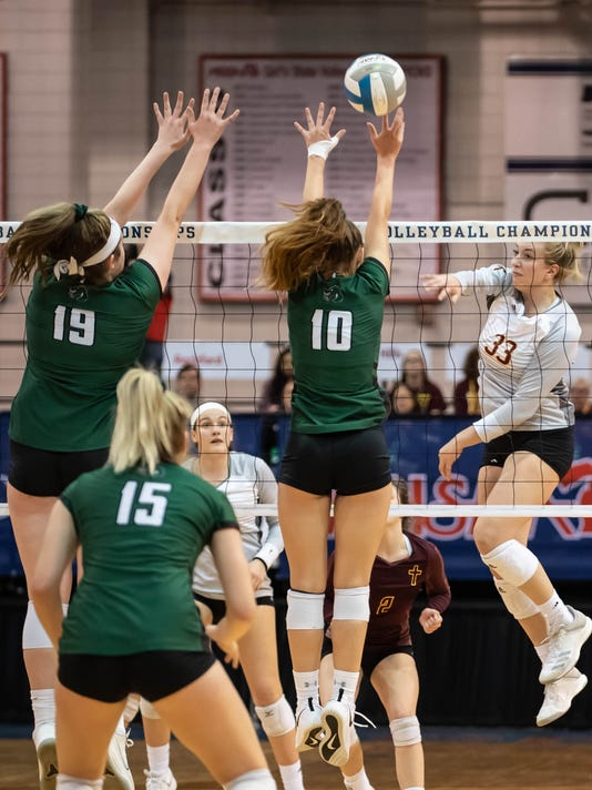 Top-ranked Mercy stunned in D1 girls volleyball semifinal by Lake Orion