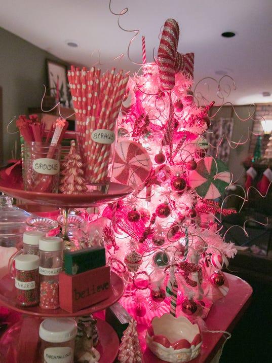 636493754146935539-Berry-Christmas-interior-10.jpg