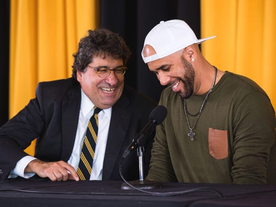 David Price, right, speaks with Chancellor Nicholas S. Zeppos while announcing his donation during a press conference at Vanderbilt University, Friday, Nov. 18, 2016..
